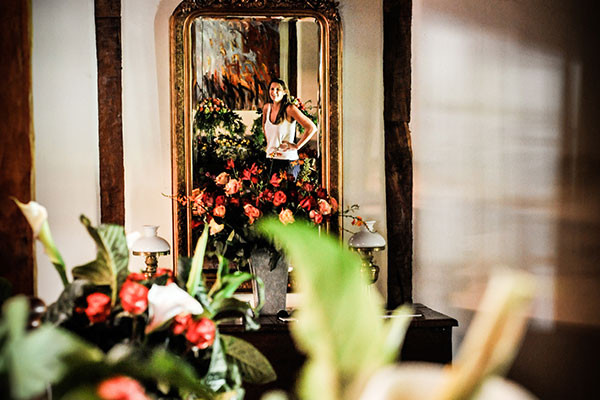 flowers-and-mirror